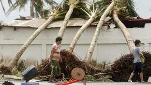 Ver vídeo  'Muchos de los filipinos que viven en españa no saben nada de sus familiares tras el tifón'