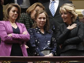 Ver vídeo  'Muchos políticos se han acercado al Congreso para escuchar el discurso de investidura'