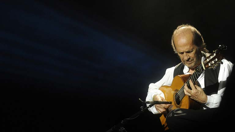 Muere el guitarrista Paco de Lucía, maestro renovador del flamenco