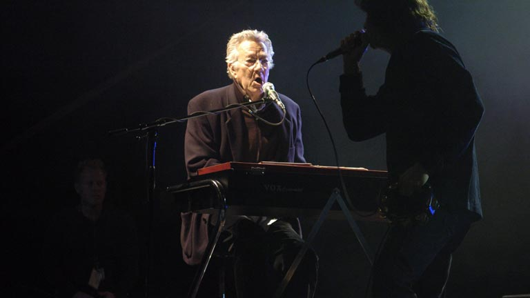 Muere Ray Manzarek, cofundador de The Doors
