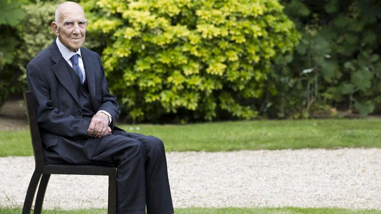 El alemán Hessel, autor del libro '¡Indignaos!', muere en Francia