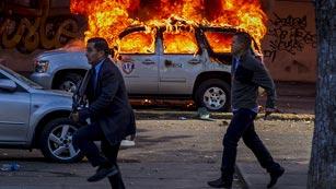 Ver vídeo  'Mueren al menos tres personas en enfrentamientos en Venezuela'