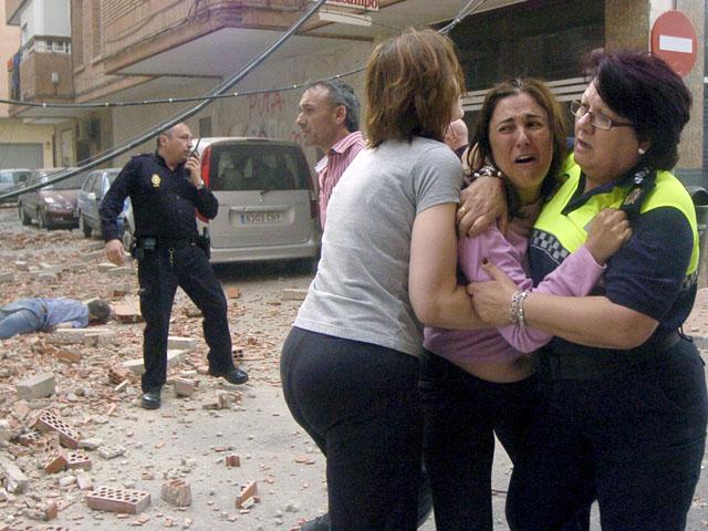 Ver v?deo  'Mueren ocho personas en Lorca, sumida en la desolación tras un doble terremoto'