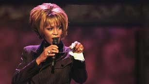 Ver vídeo  'La muerte de Whitney Houston pone de luto al pop'