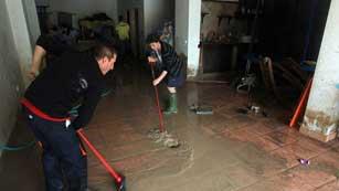 Ver vídeo  'Una mujer muere en el municipio de Álora por el desbordamiento del río Guadalhorce'