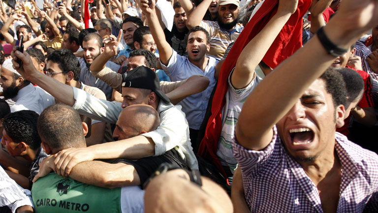 Mursi ofrece unidad a egipcios y dice que mantendrá acuerdos internacionales