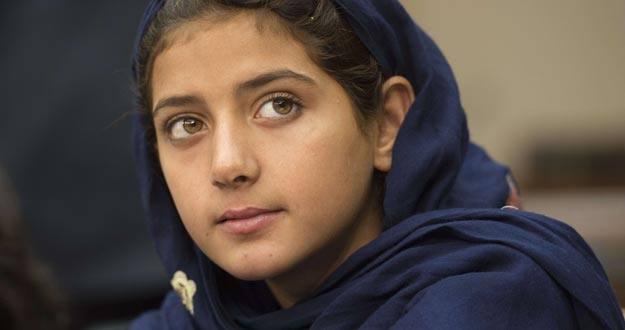 Nabila Rehman, de 9 años, y que resultó herida en un ataque de drones estadounidenses en Pakistán