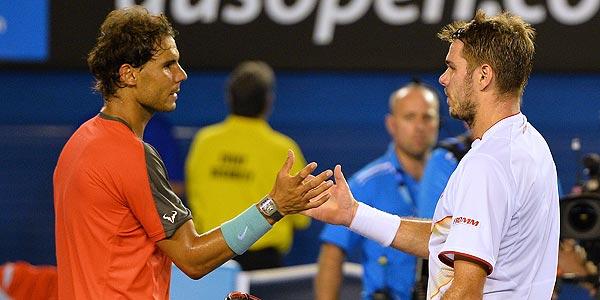 Nadal y Wawrinka se saludan al término de la final.