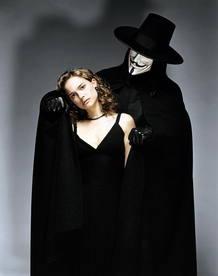 Natalie Portman y Hugo Weaving en la película 'V de Vendetta'