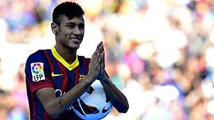 Ver vídeo  'Neymar pisa el Camp Nou por primera vez en su presentación'