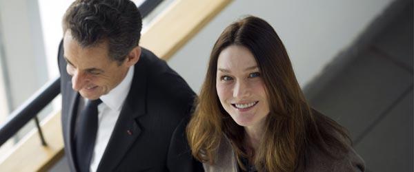 Nicolas Sarkozy y Carla Bruni en visita electoral 2012