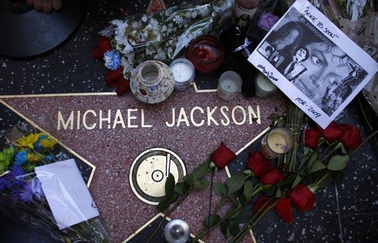 Aún no se sabe con seguridad ni dónde ni cuándo será el entierro de Michael Jackson