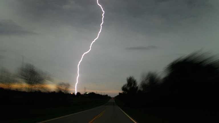 Nueva oleada de tornados azota Oklahoma