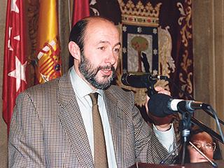Ver vídeo  'Nombramiento de Rubalcaba como ministro de Educación'