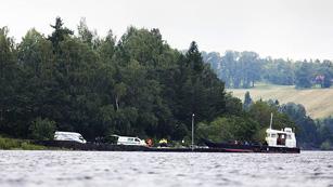 Ver vídeo  'Noruega homenajea a las víctimas de la masacre de Utoya'