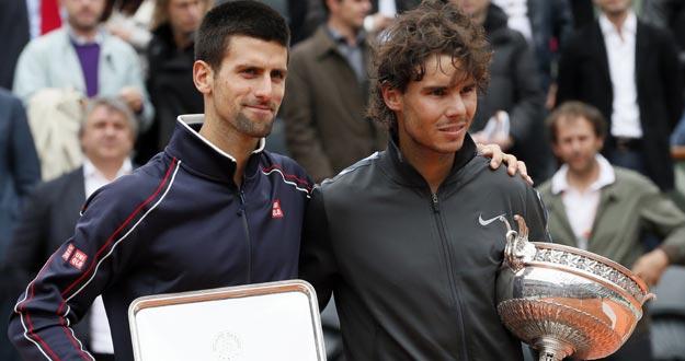 Novak Djokovic, finalista en Roland garros, con el heptacampeón Rafa Nadal