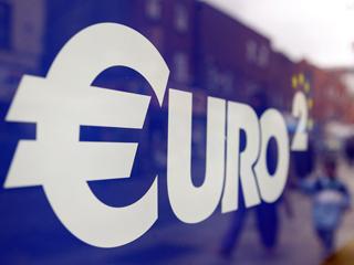 Ver vídeo  'Nueva cumbre entre Sarkozy y Merkel sobre la deuda de la zona euro.'