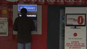 Ver vídeo  'La nueva reforma financiera exigirá aumentar las reservas de capital de los bancos'