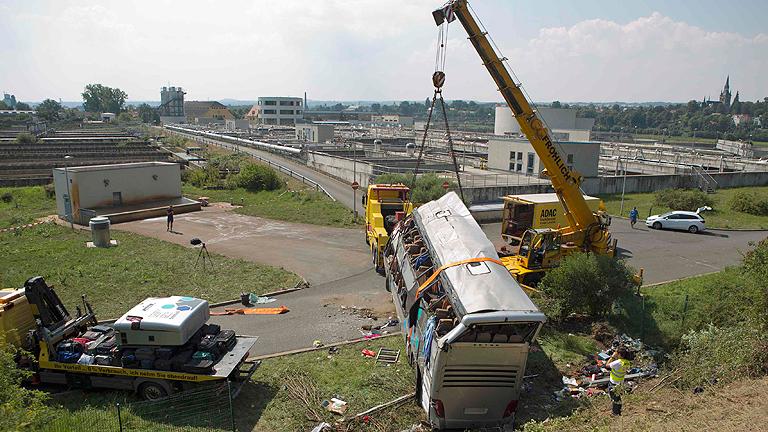 Nueve muertos en un choque de autobuses en Alemania