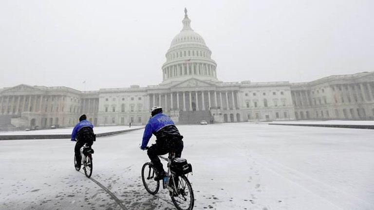Un nuevo temporal de nieve cierra la Casa Blanca y cancela miles de vuelos en el este de EE.UU.