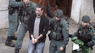 Ver vídeo  'Ocho detenidos en una operación contra el frente de cárceles de ETA'