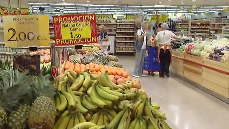 La OCU recomienda comparar antes de comprar para maximizar el ahorro en la cesta de la compra