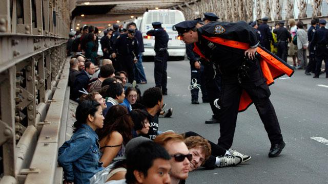 """Detenidos más de 700 manifestantes del movimiento """"Ocupemos Wall Street"""""""