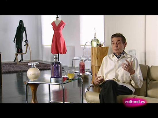Ver vídeo  'Los oficios de la cultura - Diseño de moda. Jesús del Pozo'