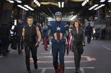 Ojo de Halcón, el Capitán América y La Viuda Negra