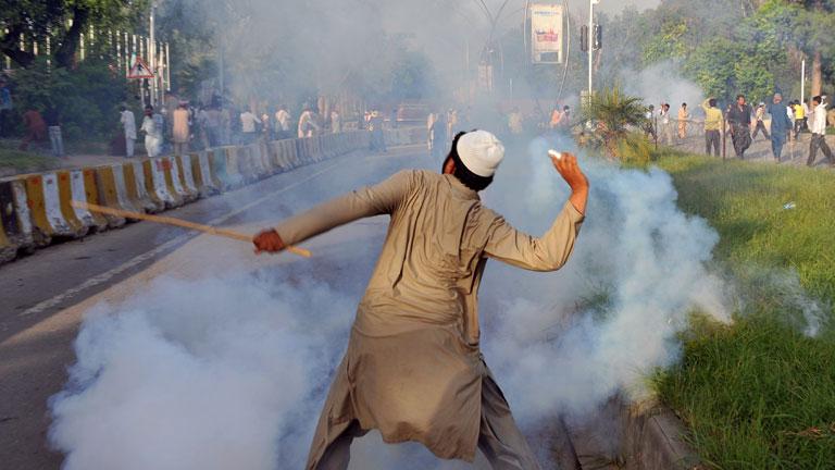 Ola de protestas en Pakistán el día antes de la oración