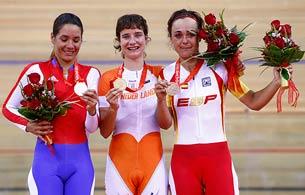Ver vídeo  'Olaberría se cuelga la medalla de bronce'