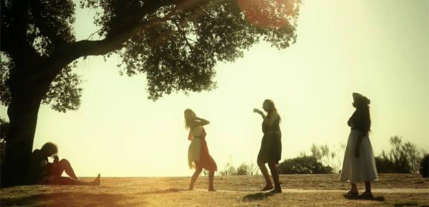 Las ninfas danzan al compás de la lira de Orfeo