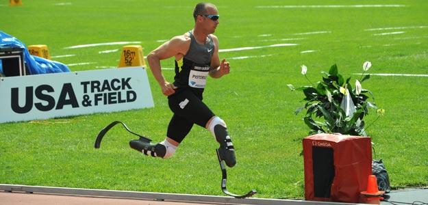 Oscar Pistorius en acción durante la prueba de los 400 m de la Liga Diamante de la IAAF