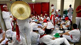 Ver vídeo  'La otra cara del último encierro de los Sanfermines 2012, de Torrehandilla'