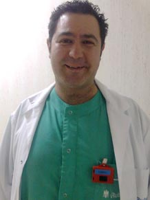 Paco Gento es técnico de radiodiagnóstico en un hospital madrileño.