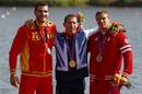 El palista español Saúl Craviotto recibe la medalla de plata en la final de K-200 de Londrest at Eton Dorney during the London 2012 Olympic Games