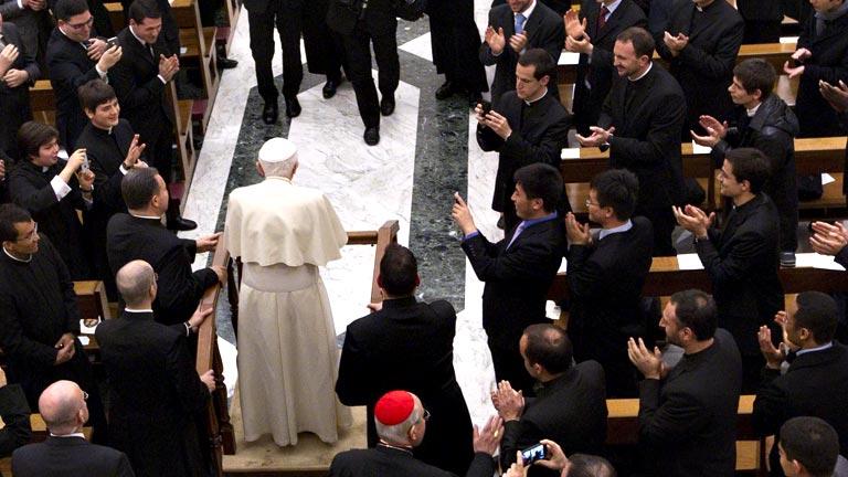 """Paloma Gómez Borrero, periodista: """"No me ha sorprendido la renuncia del papa, lo veía muy cansado"""""""