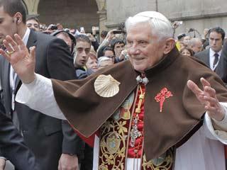 Ver v?deo  'El Papa visita Santiago como un peregrino'