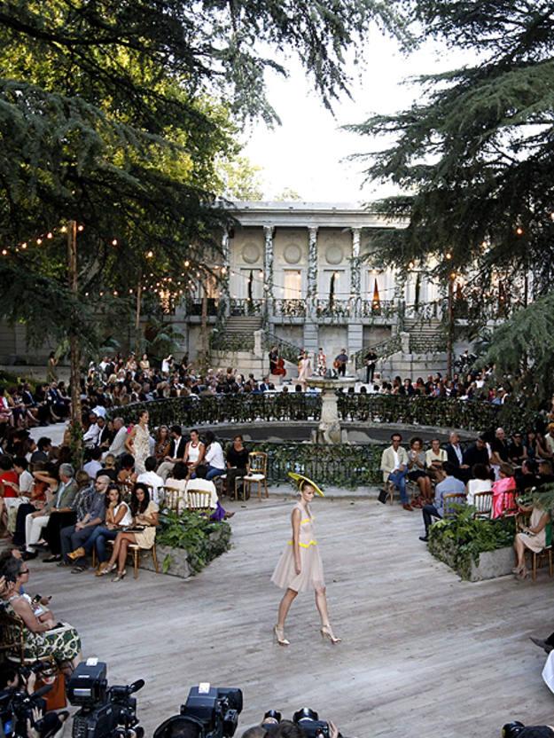 El parque El Capricho escenario del desfile de Jesús del Pozo en Mercedes-Benz Fashion Week