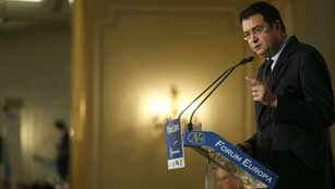 Ver vídeo  'Los partidos de la oposición ven con preocupación los datos del EPA'