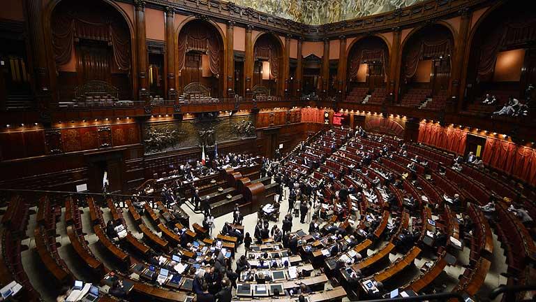 Los partidos piden a Napolitano que considere la posibilidad de su reelección