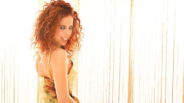 """Eurovisión 2012: Pastora Soler habla de las canciones finalistas """"Quédate conmigo"""" y """"Tu vida es tu vida"""""""