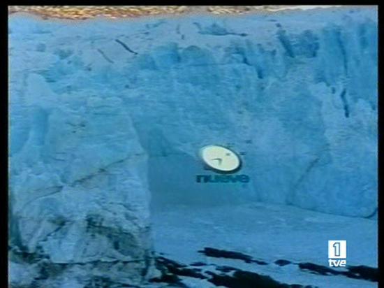 Ver vídeo  'En la Patagonia, el puente de hielo del glaciar Perito Moreno se ha derrumbado, después de varios días de expectación'