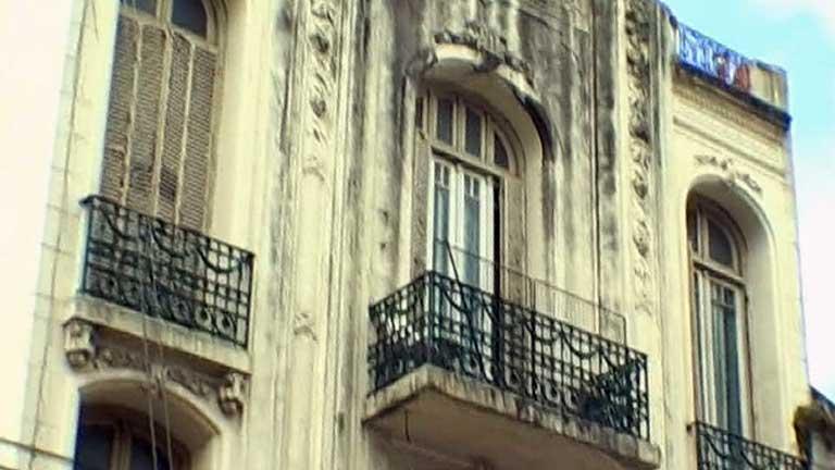 El patrimonio arquitectónico de la capital argentina está en peligro