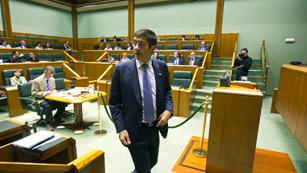 Ver vídeo  'Patxi López y el presidente del PP en el País Vasco mantienen sus posturas encontradas'
