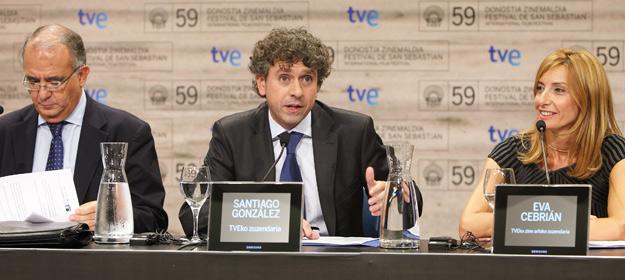 Pedro Pérez, presidente de FAPAE; Santiago González, director de TVE y Eva Cebrián, directora del área de cine de TVE