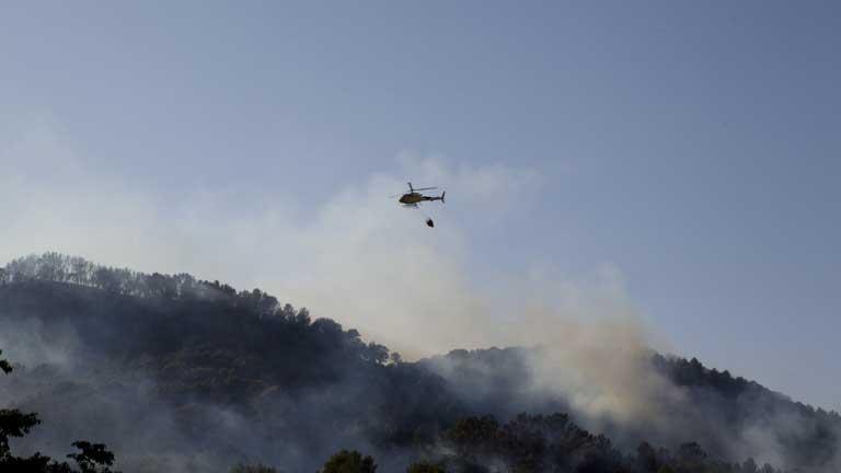 Continúa incontrolado el fuego en Andratx