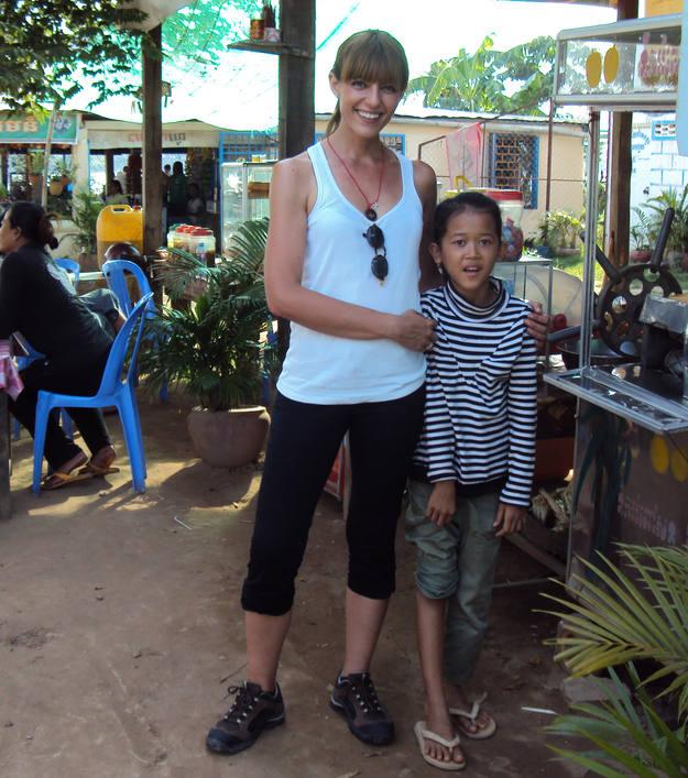 A Pepa le hubiera gustado traerse a todos los críos camboyanos - Buscamundos
