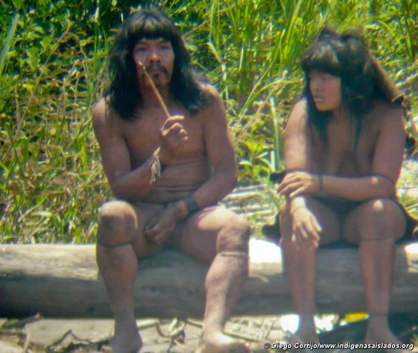 Los indígenas mascho-piros viven en la selva peruana