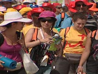 Ver vídeo  'Los peregrinos inician su regreso a casa'